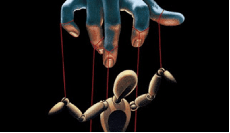Manipulation-Puppet-on-Strings